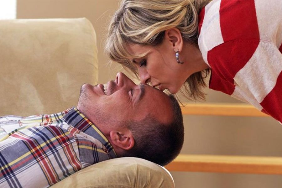 Are You Fed Up of Your Lazy Husband? Follow the Useful Tips Here to Deal With Them Perfectly
