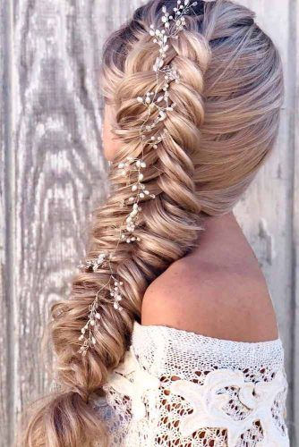 Long Side Braid With Accesories #hairaccessories #braidedhairstyles