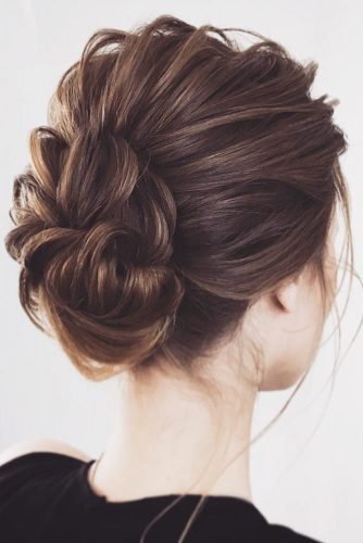 Stylish Low Bun Hairstyles picture 3