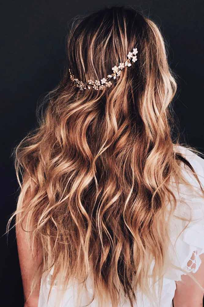 Messy Layered Hairstyle With Accessories #hairaccessories #formalhairstyles