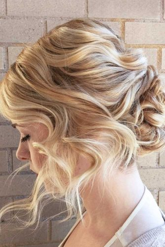 Beautiful Updos For Your Romantic Look picture 3