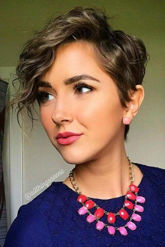 Trendy Curly Hairstyle #curlyhair #pexiehaircuts