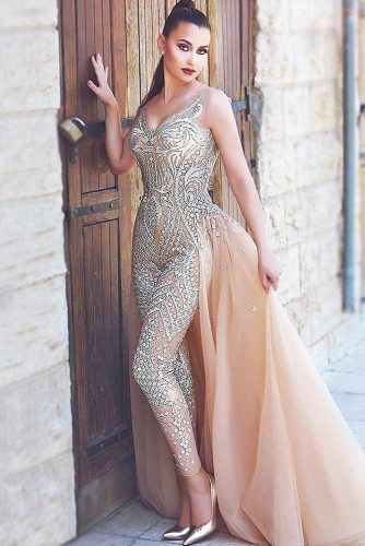 Newest Jumpsuit Designs to Wear for Prom Party picture 3