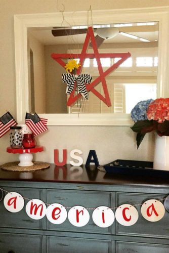 4th of July Shelf Decor picture 2