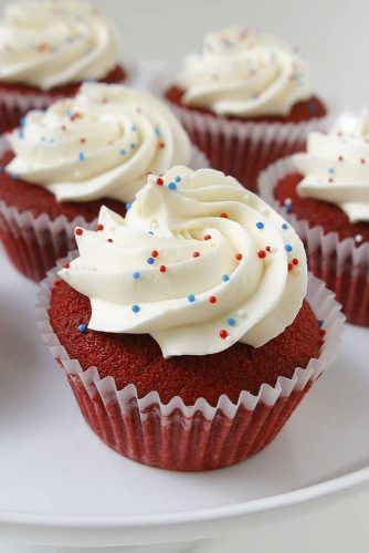 Simple 4th Of July Cupcake Idea #creamcupcake