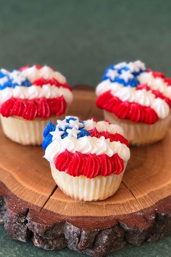 Flag Cupcake Idea #patrioticcupcake