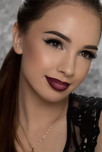 Homecoming Makeup with Eyeliner picture 6