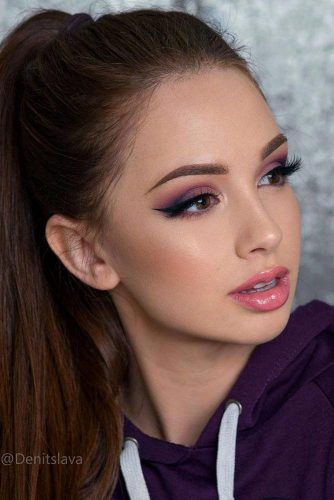 Homecoming Makeup with Nude Lipstick picture 6