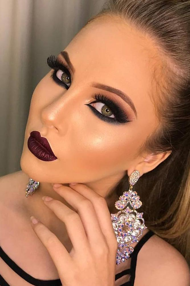 Homecoming Makeup with Bright Lipstick picture 6