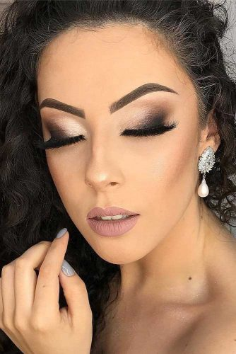 Trending Homecoming Makeup Ideas picture 6
