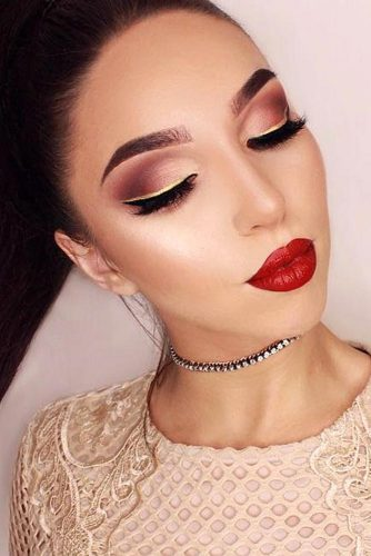Homecoming Makeup with Bright Lipstick picture 5