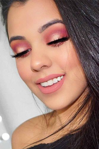 Trending Homecoming Makeup Ideas picture 5