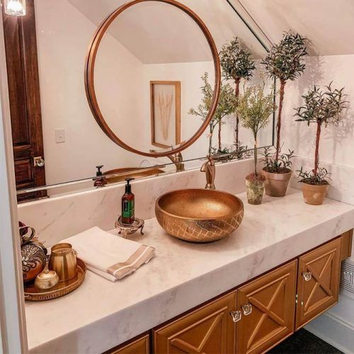 Modern Bathroom Vanity In White And Copper Hues #copperheues #copperwashbowl