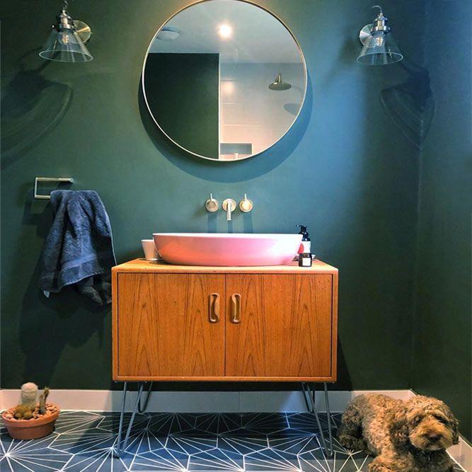 Retro Bathroom Vanity With Pink Washbowl Accent #pinkwashbowl #retrovanity