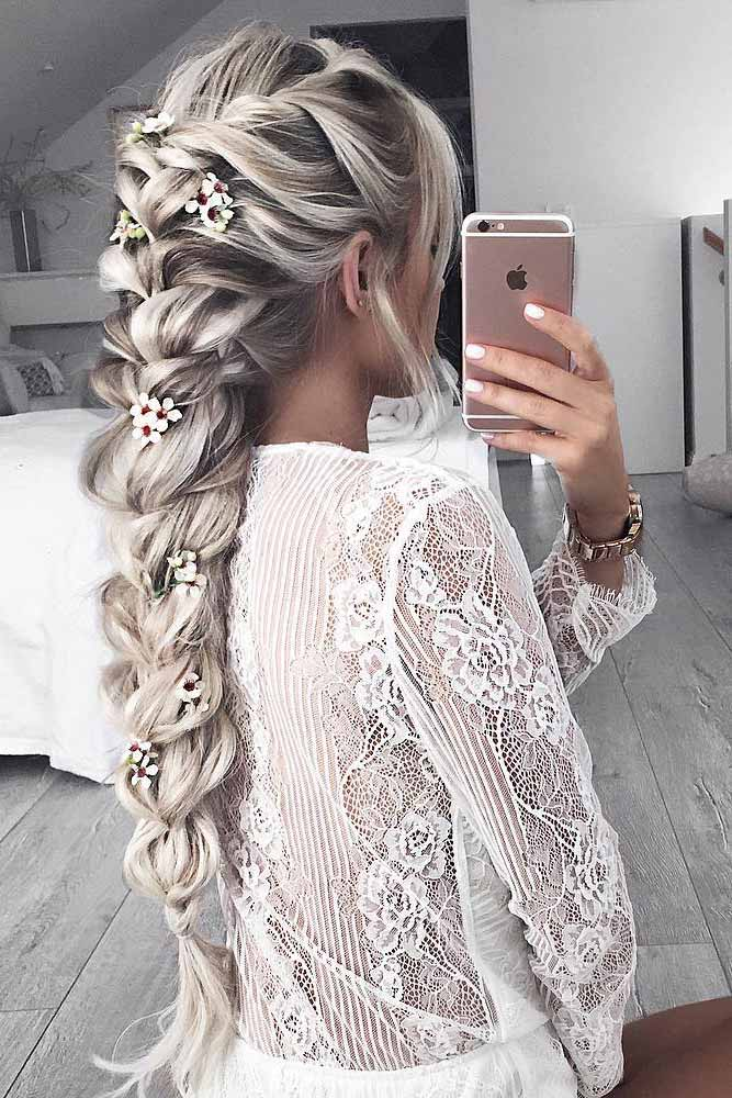 Gorgeous Homecoming Hairstyles for Long Hair picture 2