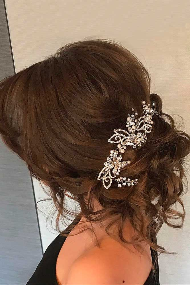 Trendiest Hairstyles for the Big Night #updos #curlyhairstyles