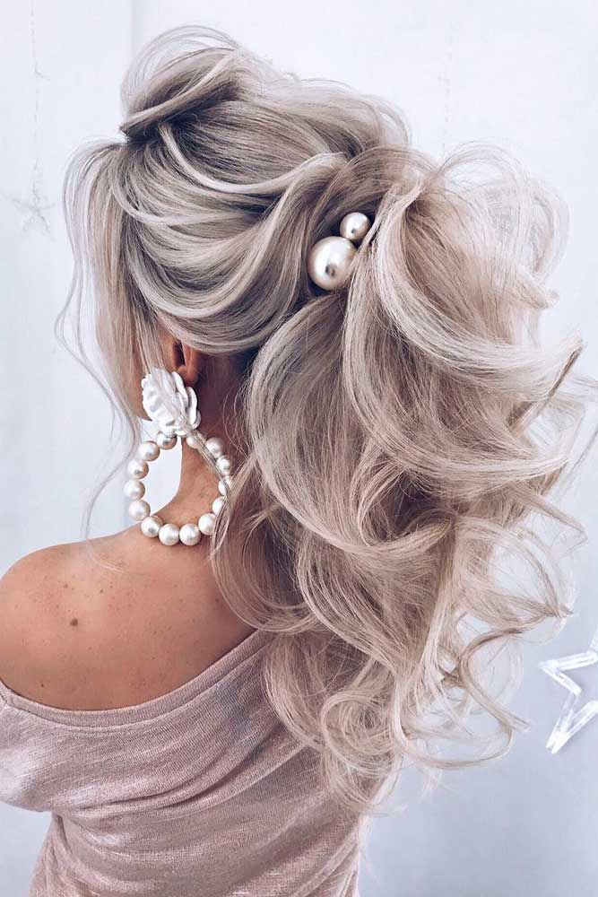 High Ponytail #longhairstyles #promhairstyles
