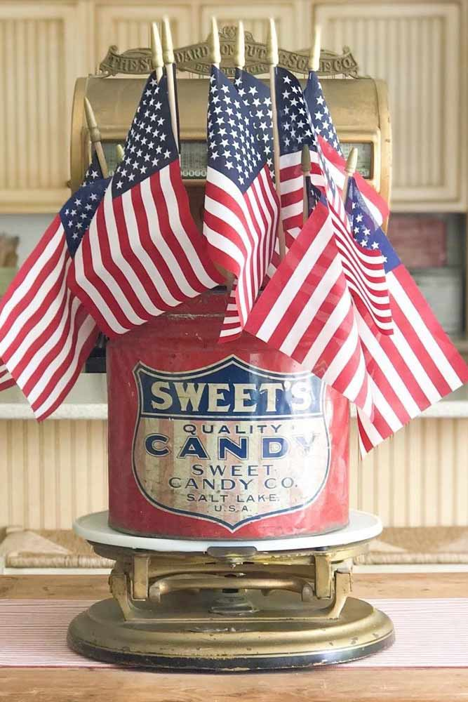 Vintage 4th Of July Centerpiece Design #vintagedecor