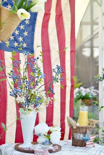 Outdoor Patriotic Decor #flag #woodenstar