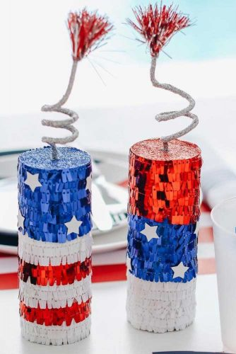 Indoor 4th Of July Decoration Ideas #firecrackers #glitter