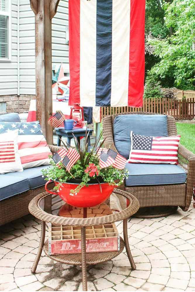 How To Decorate Your Yard For 4th Of July #yarddecorations