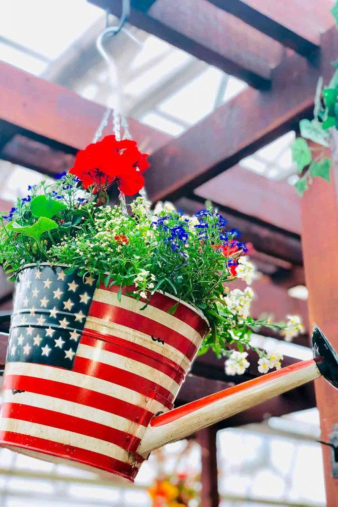 Creative Floral Patriotic Decorations  #flowers #homedecor