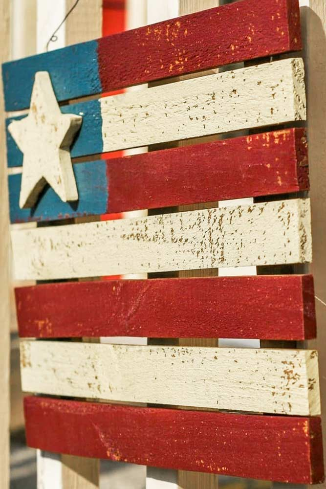 Outdoor Wooden Flag Decor #woodenflag