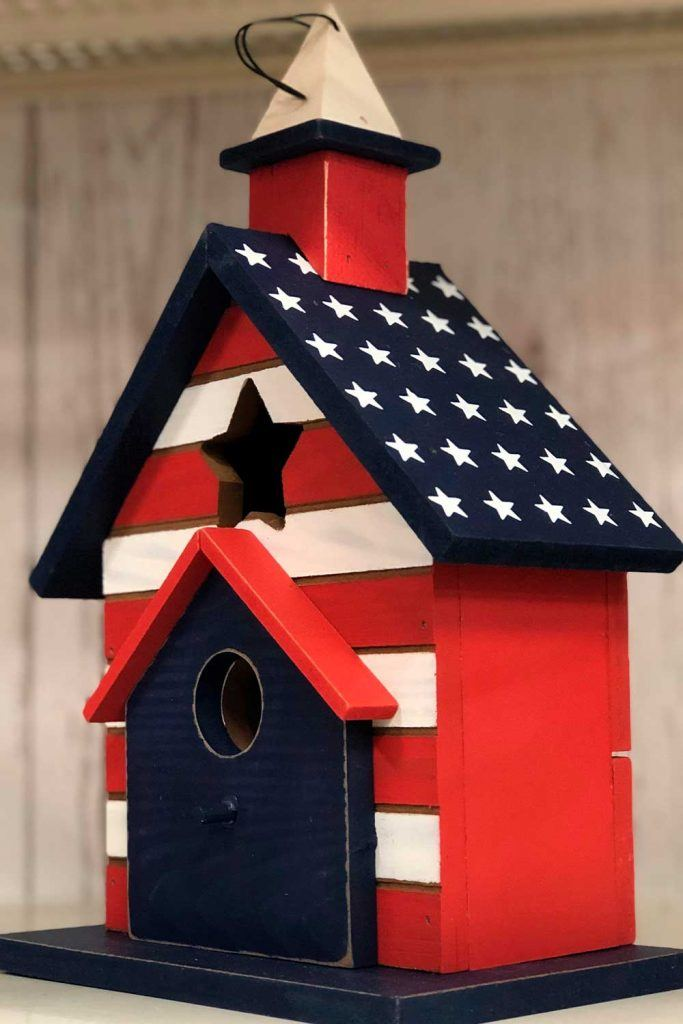Creative Patriotic Birdhouse #patriotic #birdhouse
