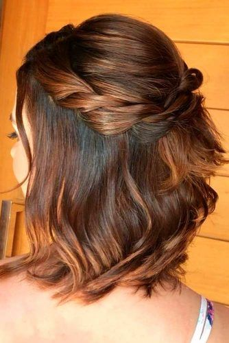 Twisted Half-Up #twistedhairsyles #easyhairstyles