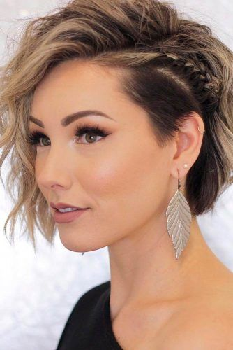 Wavy Bob With Side Braid #sidebraid #wavyhairstyles