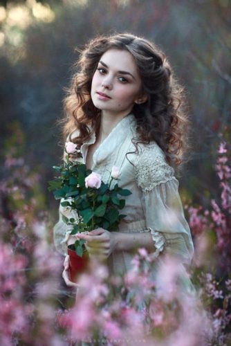 15 Portraits of Most Beautiful Women with Flowers from Pinterest