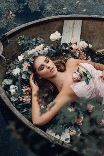 Beautiful Women With Flower Photography #flowers