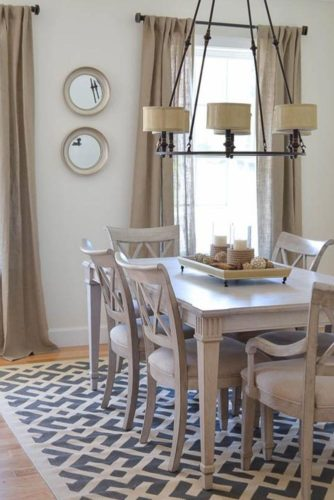 Neutral Colors With Wall And Table Decorations #naturaldinningroom