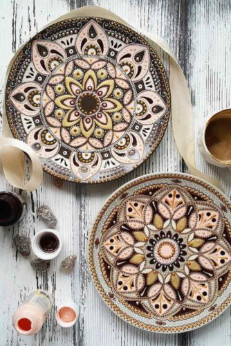21 Decorative Plates - Ideas for Your DIY Projects