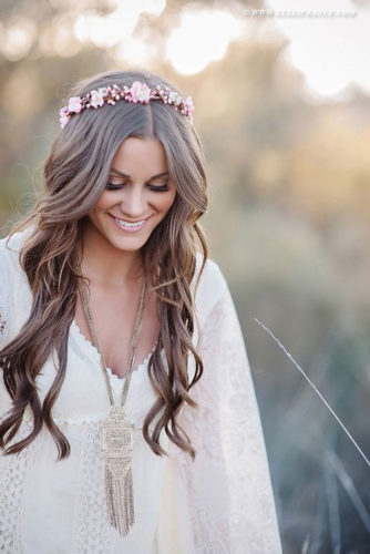 21 Romantic Hairstyles with Flower Crown