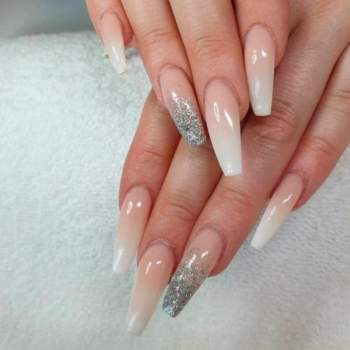 Glitter Accented Finger #glitternails #nudenails