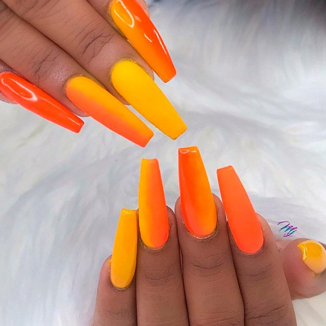 Orange Summer Ombre Nails #peachnails #verticalombrenails