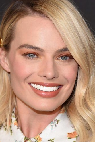Fresh Peachy Makeup Look #peachymakeup #margotrobbie