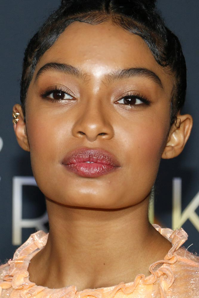 Glow Natural Makeup With Soft Eyeliner Accent #yarashahidi