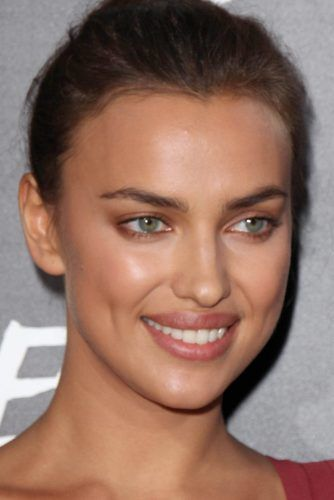 Soft Eyes Makeup With Natural Lips #irinashayk