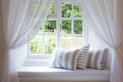 Inspirational Ideas for Cozy Window Seat