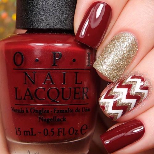 Pretty Chevron Nail Art In Fall Shades #glitternails #chevronnails #prettynails