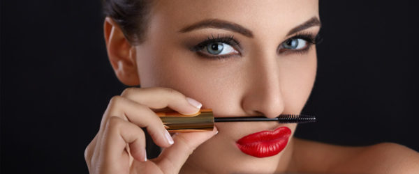 15 Makeup Tips to Look Great in Every Photograph
