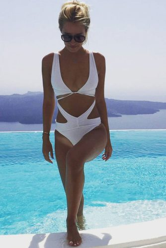 Chic One Piece Swimsuit Ideas picture 1