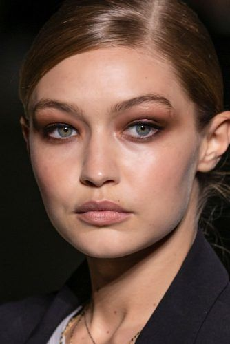 Subtle Brown Smokey With Black Eyeliner #gigihadid #brownsmokey