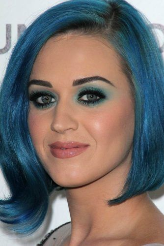 Blue Smokey Eyes With Black Smudge Line #katyperry #bluesmokey