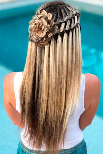 Braided Flowers Half-Up #braidedhair