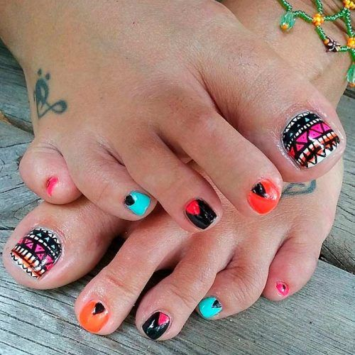 Tribal Toe Nail Art #tribalnails #toenailart