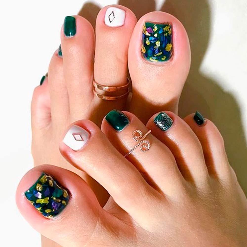 Foil Nail Art For Toes #foilnails #prettynailart