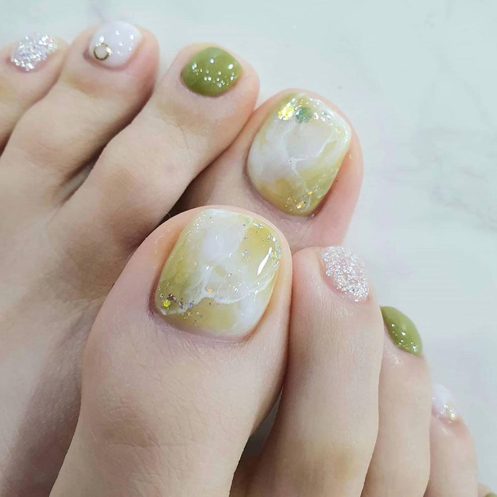Marbled Nail Design #marblednails #marblenailart
